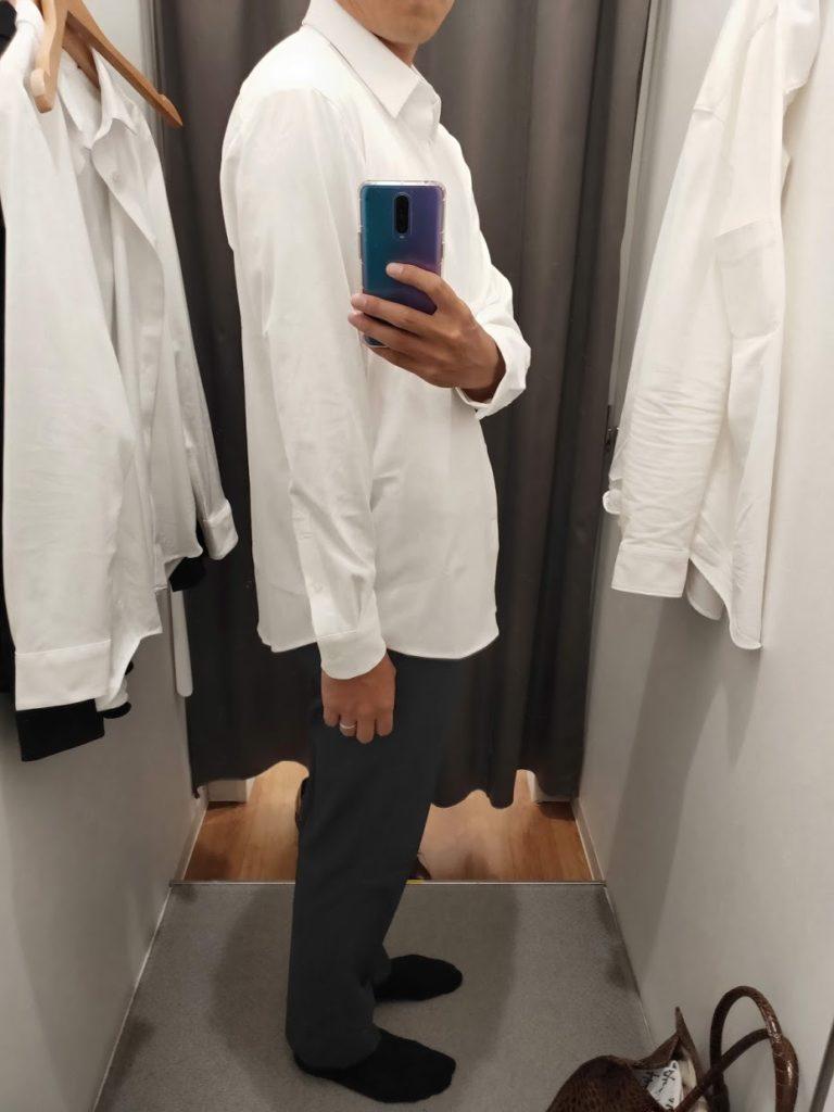 ユニクロイージーケアジャージシャツの白サイズL外だし右