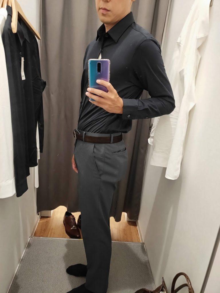 ユニクロイージーケアジャージシャツのネイビーサイズM左