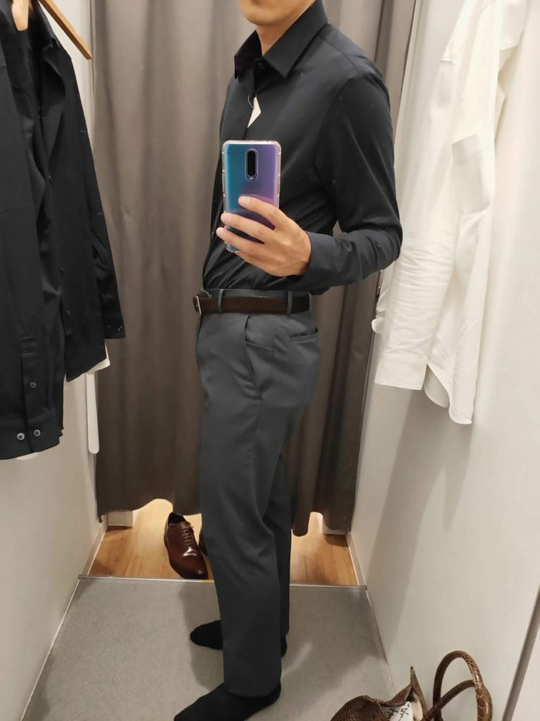 ユニクロイージーケアジャージシャツのネイビーサイズL左