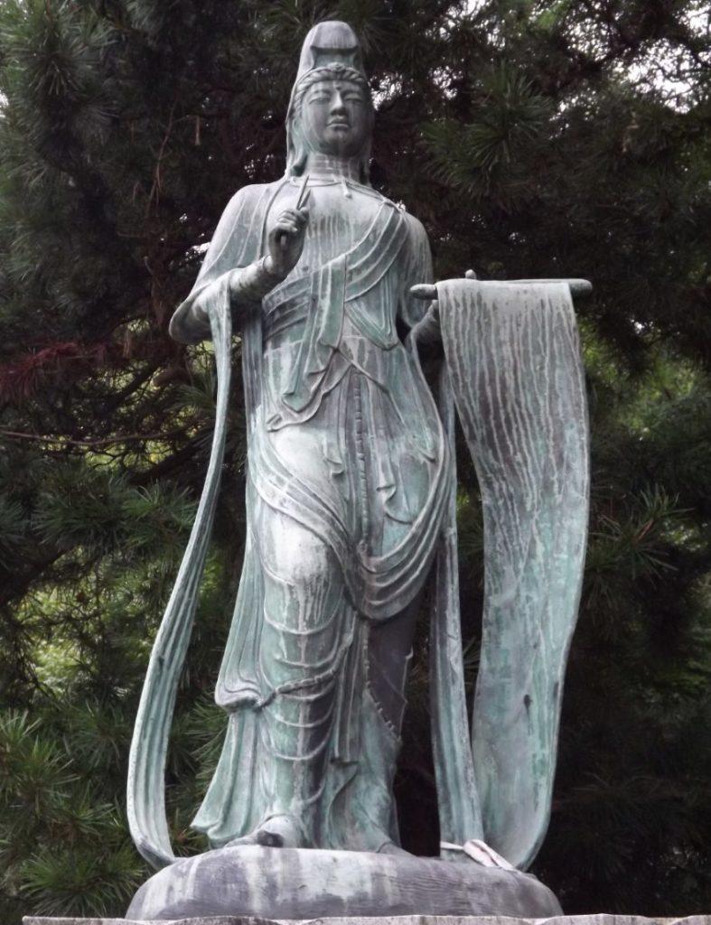 10番切幡寺のはたきり観音