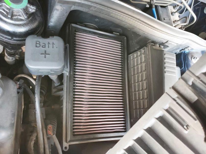 ミニクーパーSエアクリーナーボックス内のエアフィルター