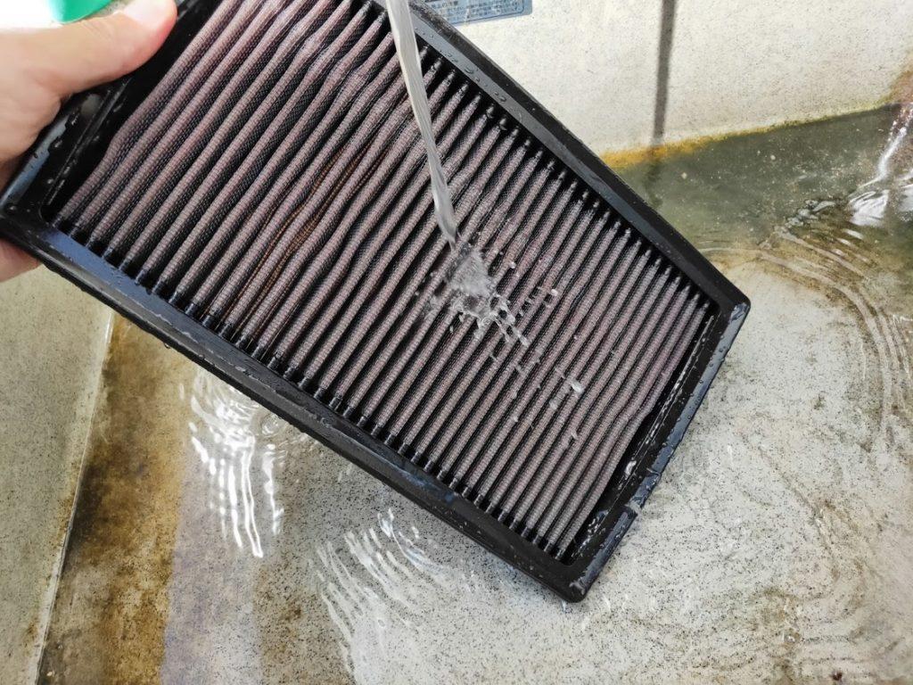 ミニクーパーSエアフィルターの水洗い