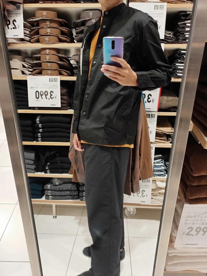 ユニクロUワイドフィットスタンドカラーシャツのブラックM横