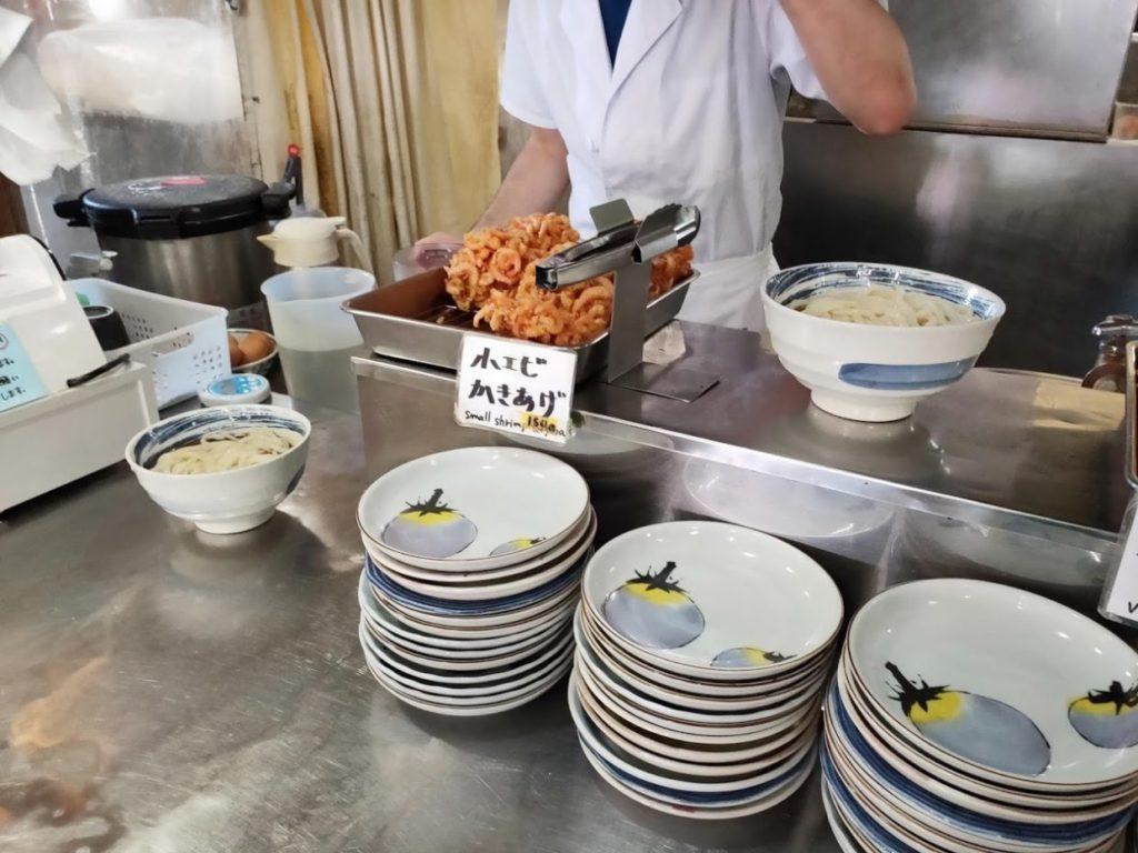 うどん一福の天ぷらと皿