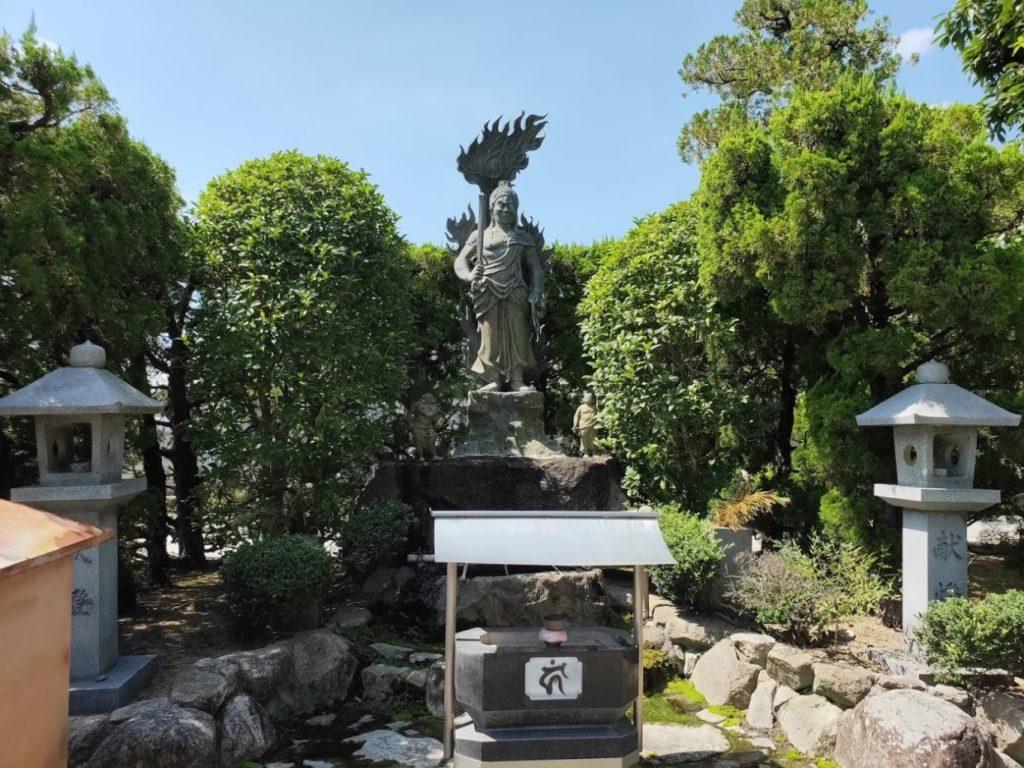83番一宮寺の仁王