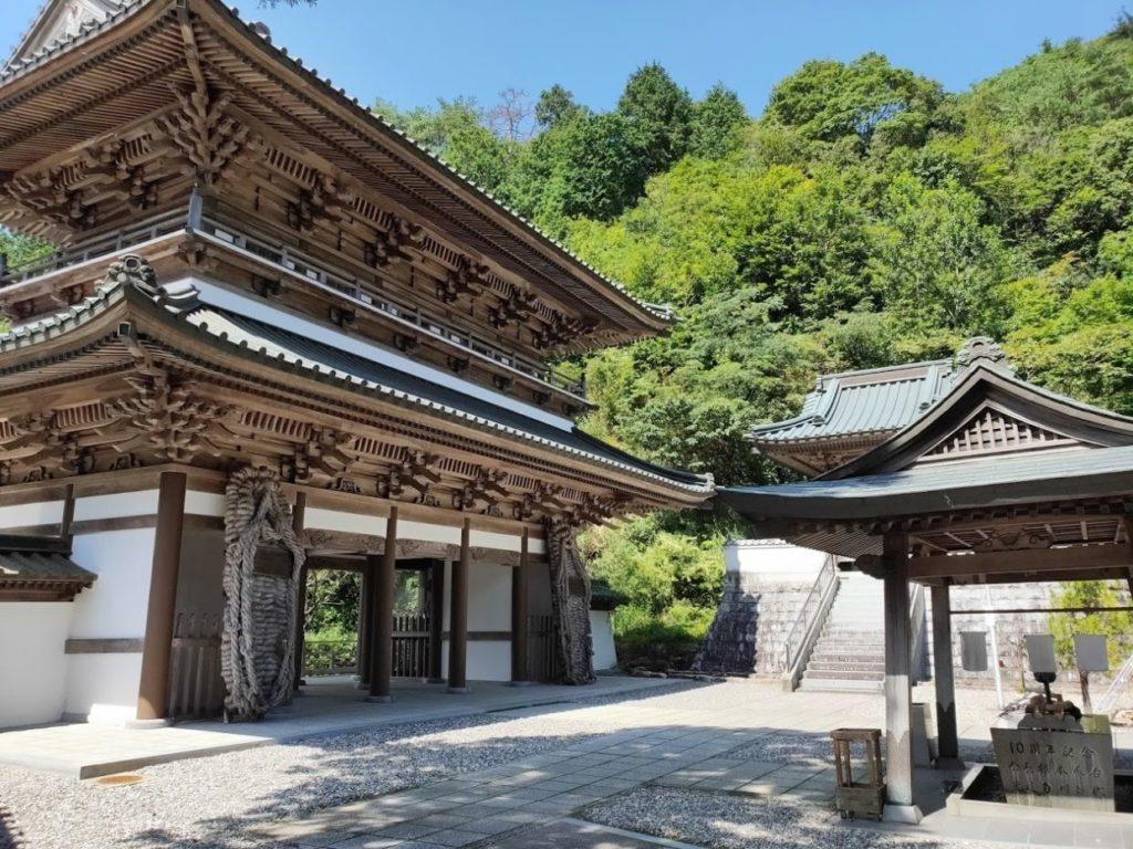 88番大窪寺の大きな門