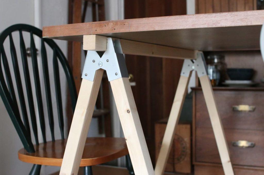 ソーホースブラケットのテーブルサンプル