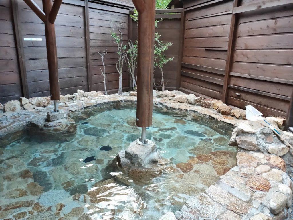 行基の湯の露天風呂1