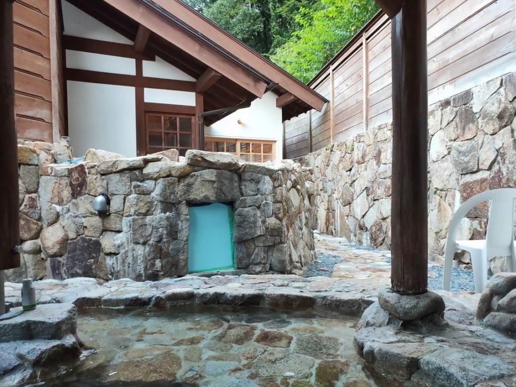行基の湯の露天風呂3