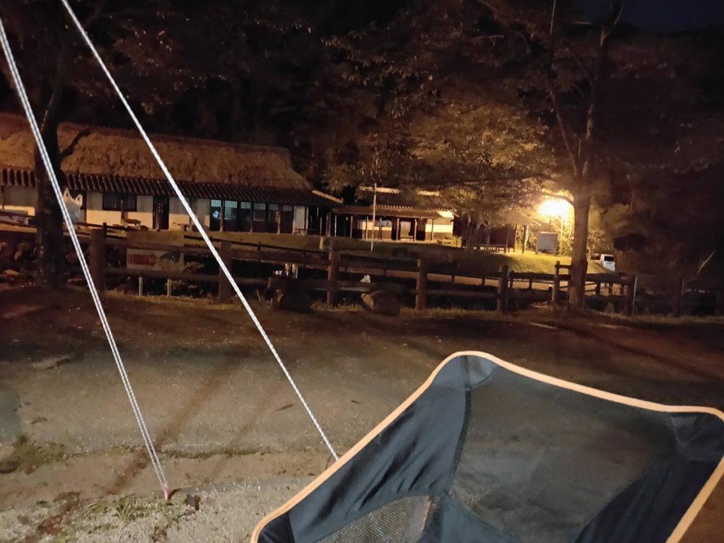 奥の湯公園キャンプ場の夜景