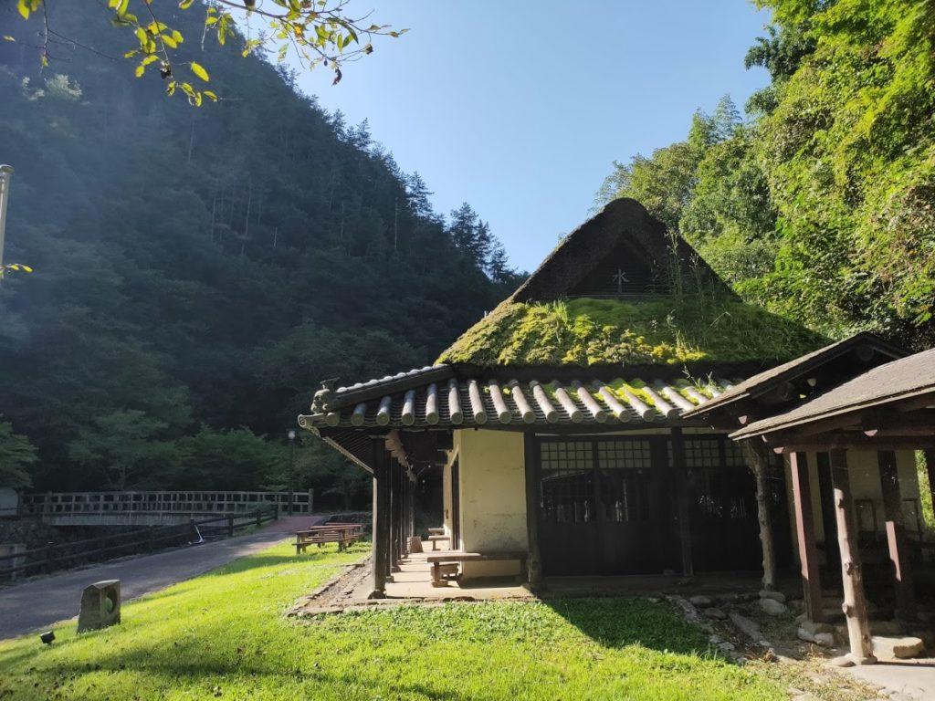 奥の湯公園キャンプ場の朝の景色2