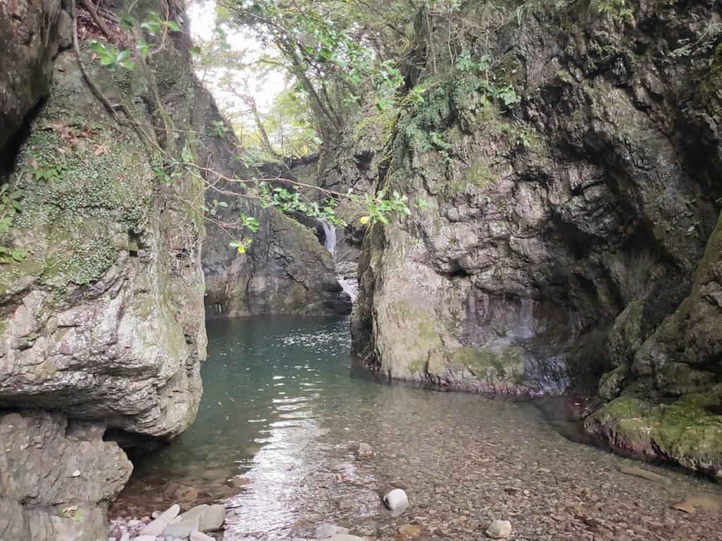 美霞洞渓谷の滝