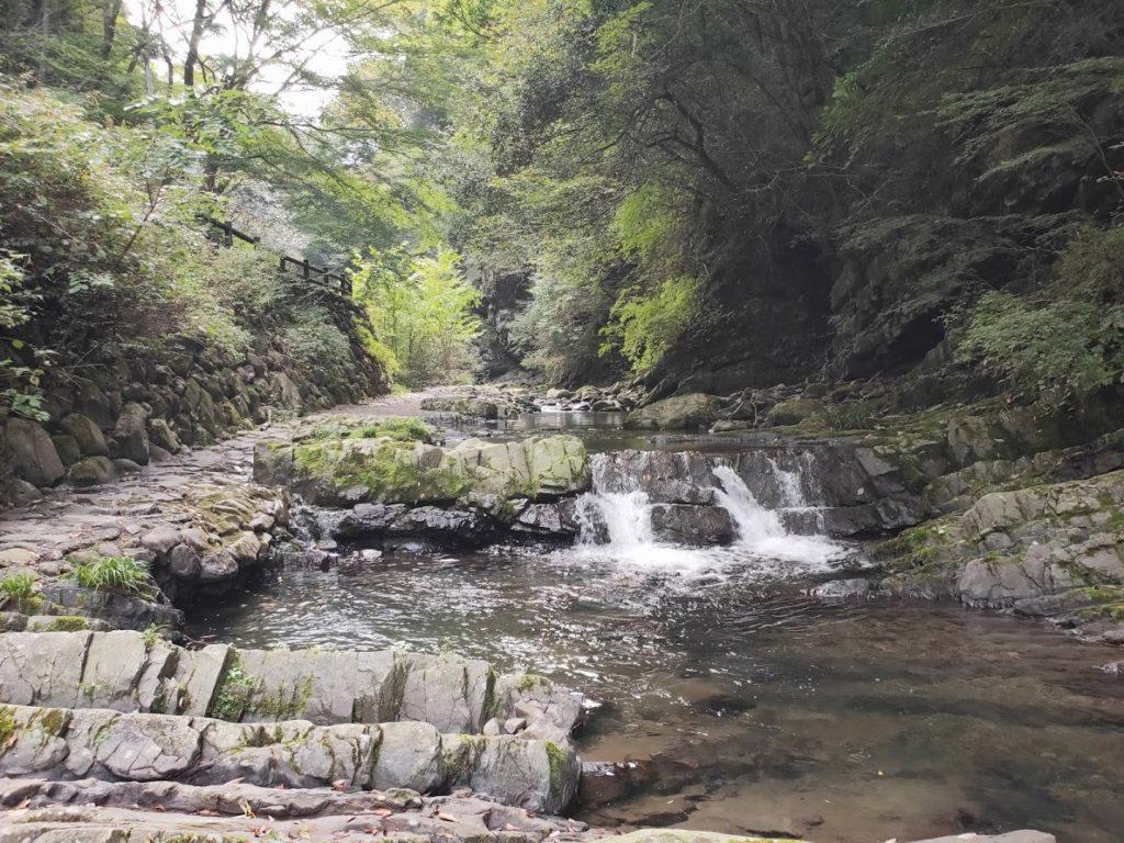 美霞洞渓谷の水遊び場2