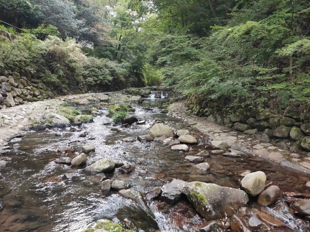 美霞洞渓谷の水遊び場3