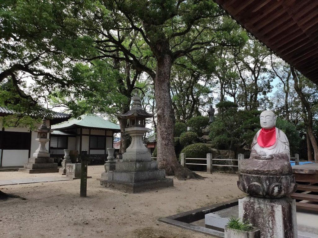 70番本山寺の地蔵
