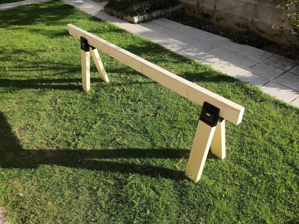 ソーホースブラケットの金具と木の組み立て3