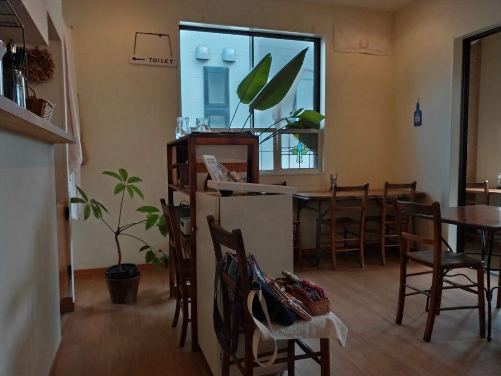 パン屋空のカフェ店内2