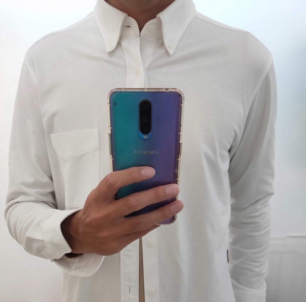 ユニクロヒートテックVネックに白シャツ2