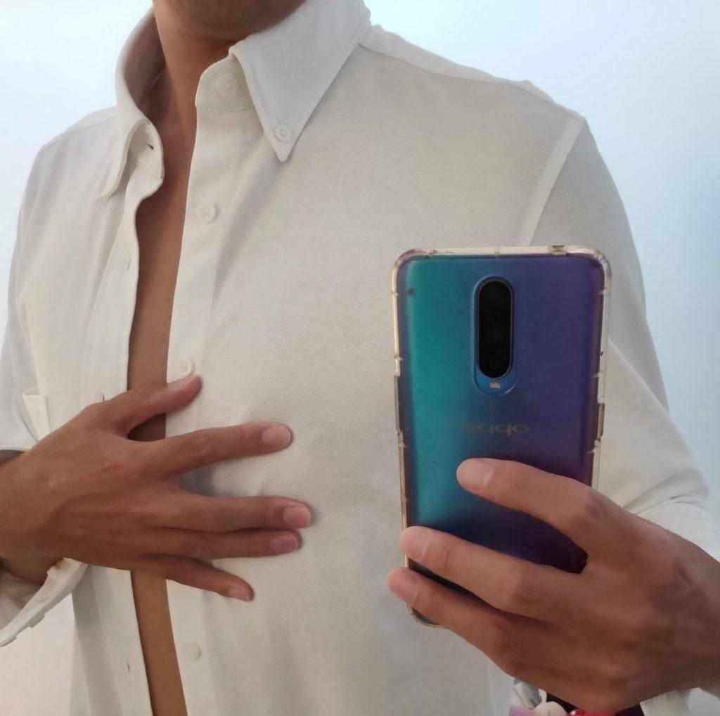 白シャツ乳首透け2