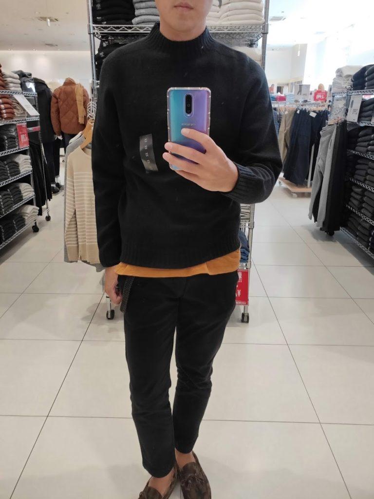 ユニクロU3DモックネックセーターのブラックサイズM前