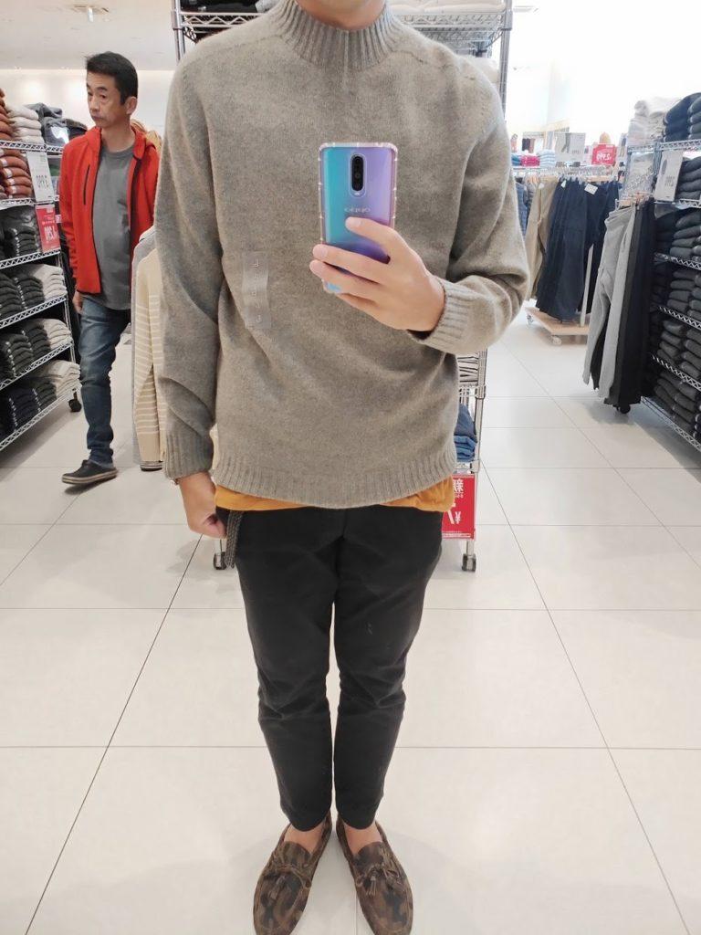 ユニクロU3DモックネックセーターのグレイサイズL前