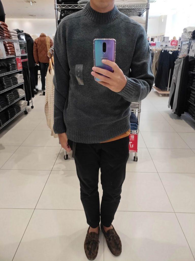 ユニクロU3DモックネックセーターのブルーサイズL前