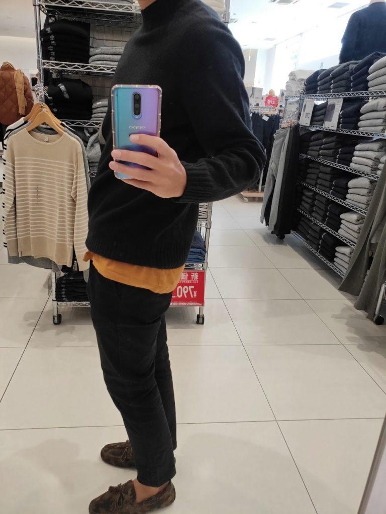 ユニクロU3DモックネックセーターのブラックサイズL左