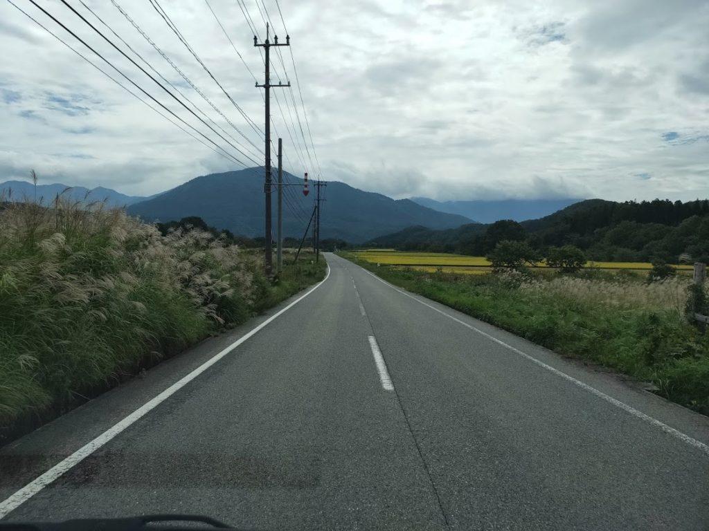 サントリー工場見学への道