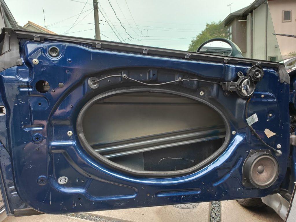 BMWMINIのドアパネルを外す7