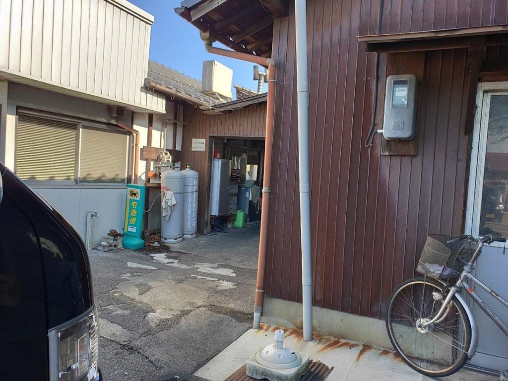田村うどんの店の外