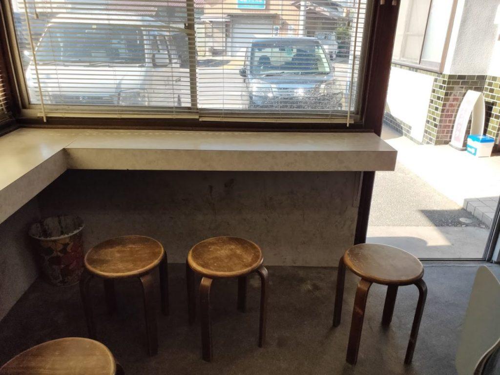 田村うどんの食べる椅子