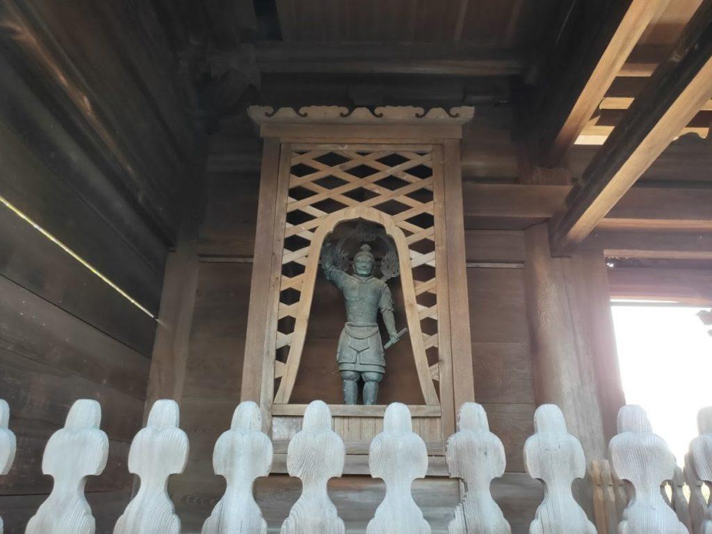 84番屋島寺の門の仁王