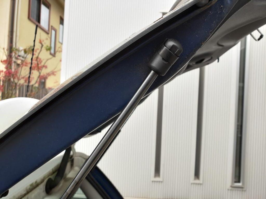 BMWMINIのリアダンパーの新しいダンパー取り付け
