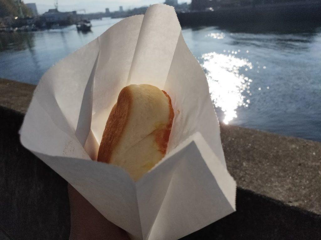 パパンのパンを食べる1