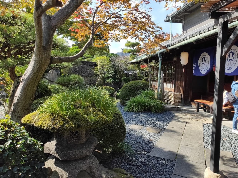 うどん本陣山田家本店の庭2