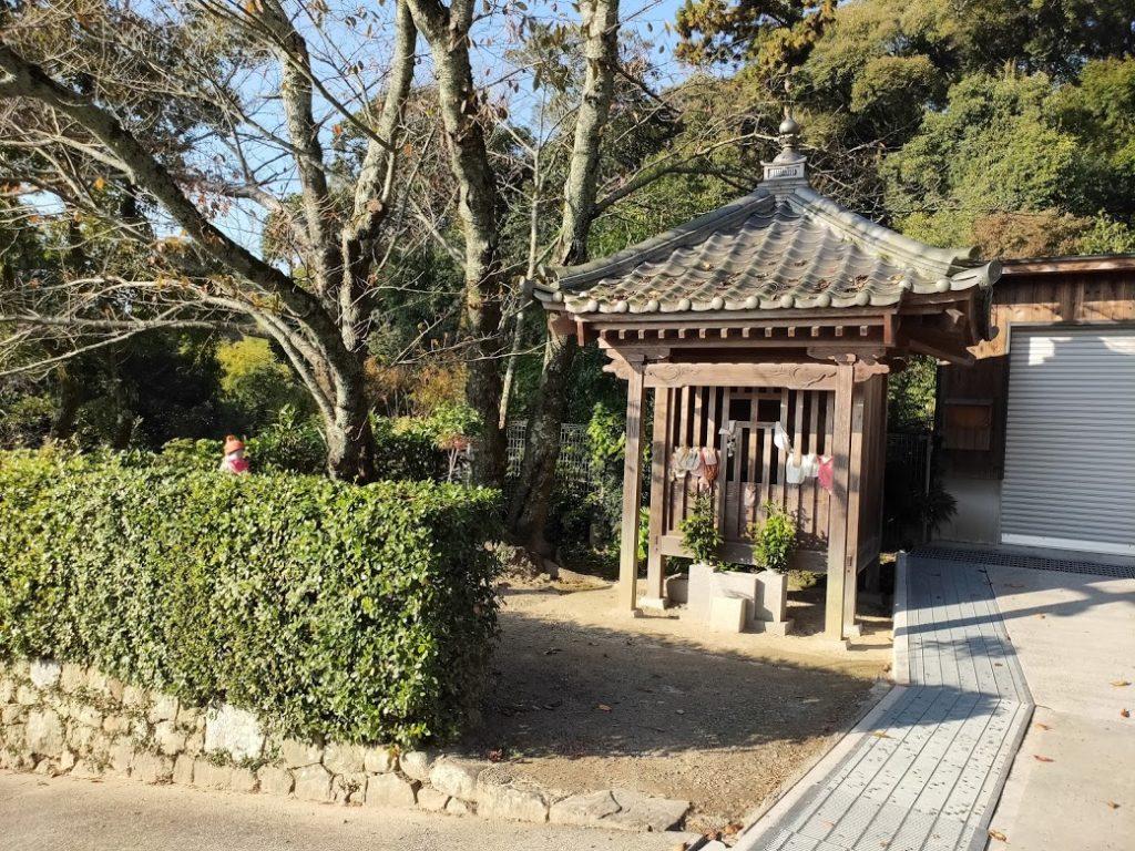 50番繁多寺の地蔵堂