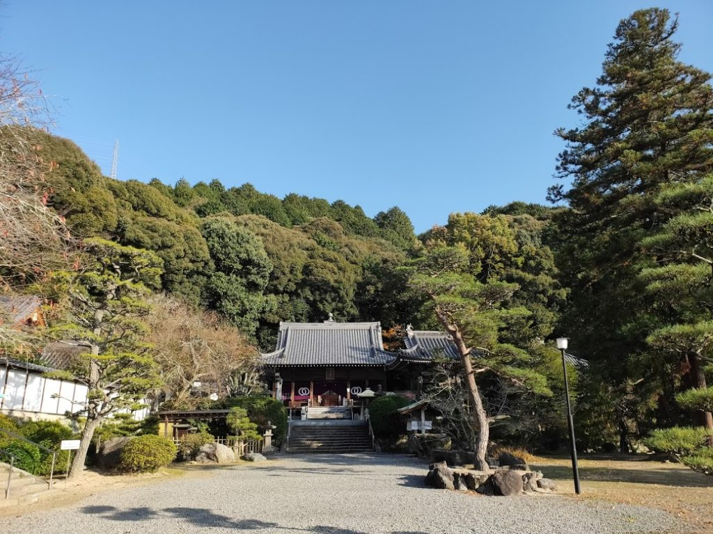 50番繁多寺の本堂景色