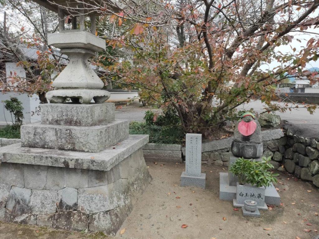 48番西林寺のお地蔵