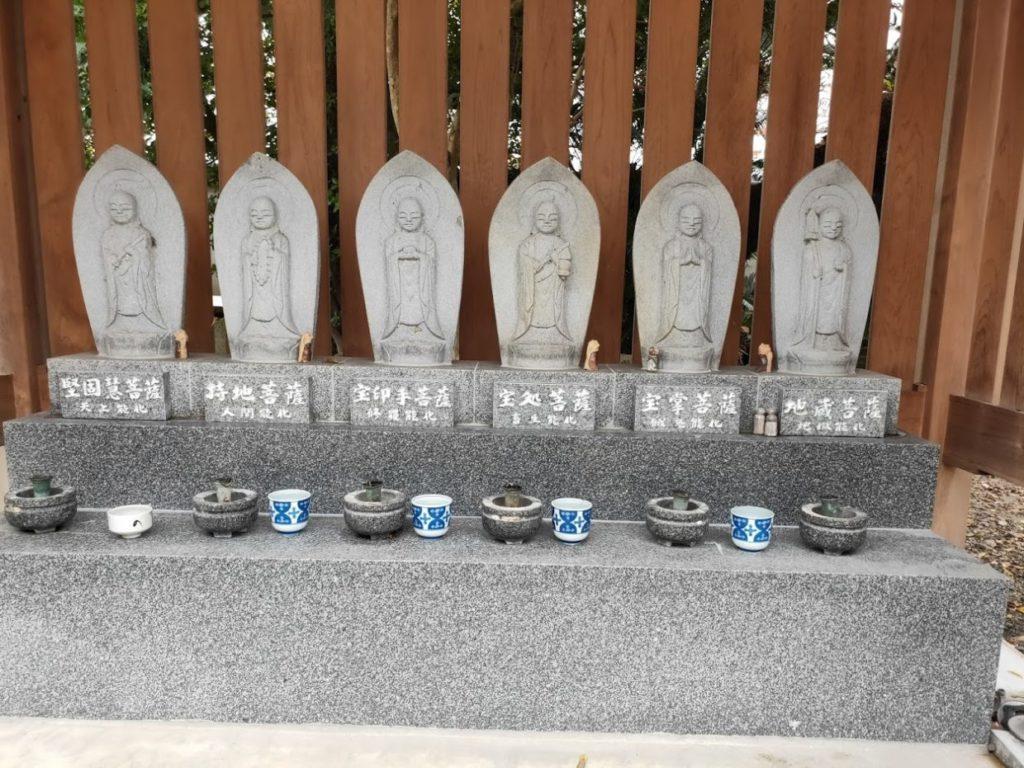 48番西林寺の地蔵6体