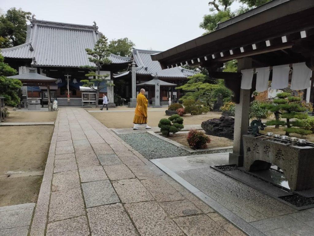48番西林寺の僧侶