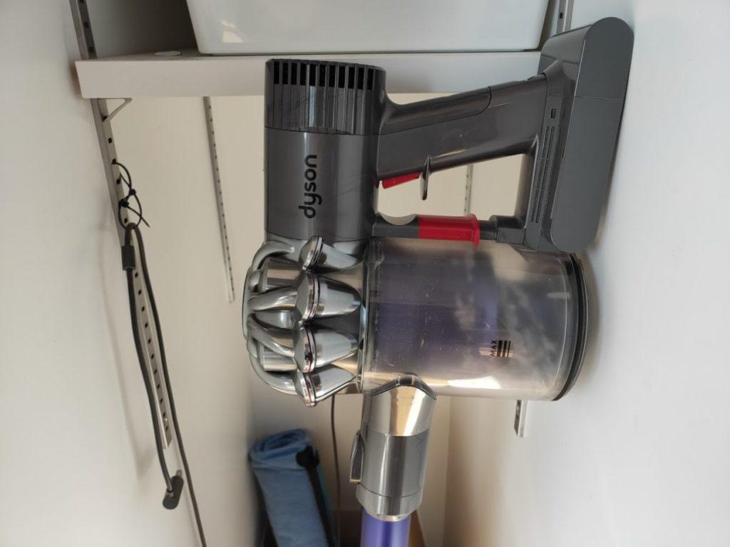 ダイソンDC62掃除機の本体