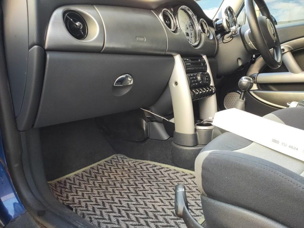 BMWMINIR53の助手席