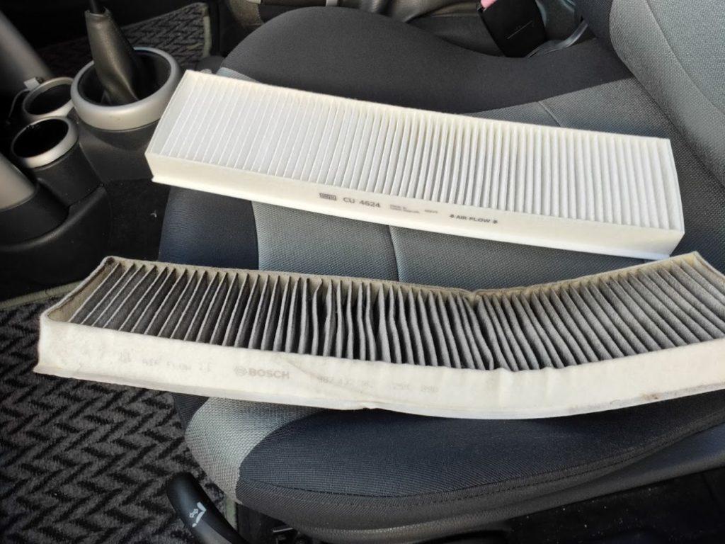 BMWMINIR53のエアコンフィルターの新旧2