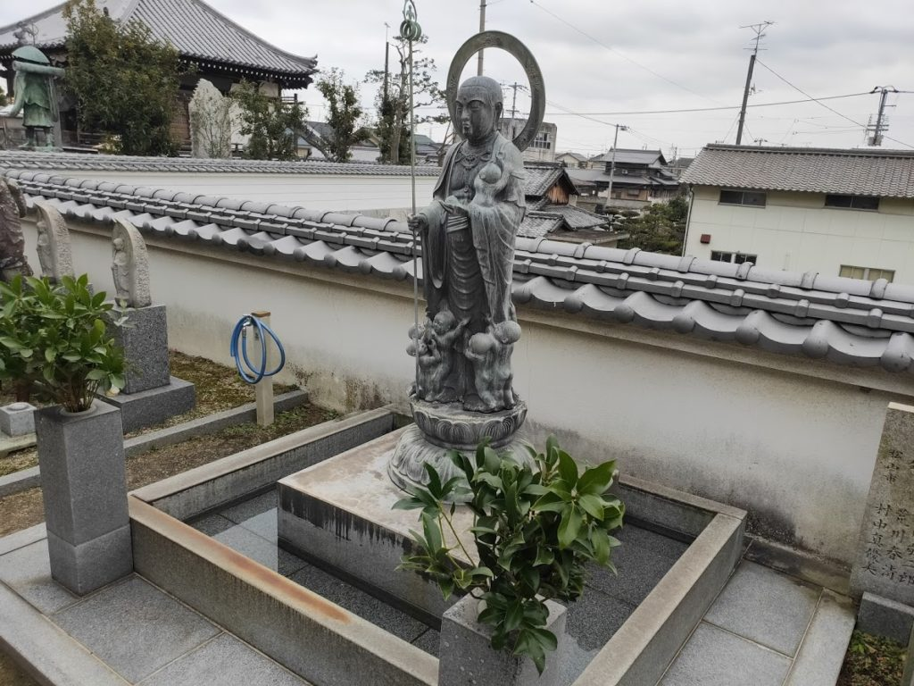 56番泰山寺の水子地蔵