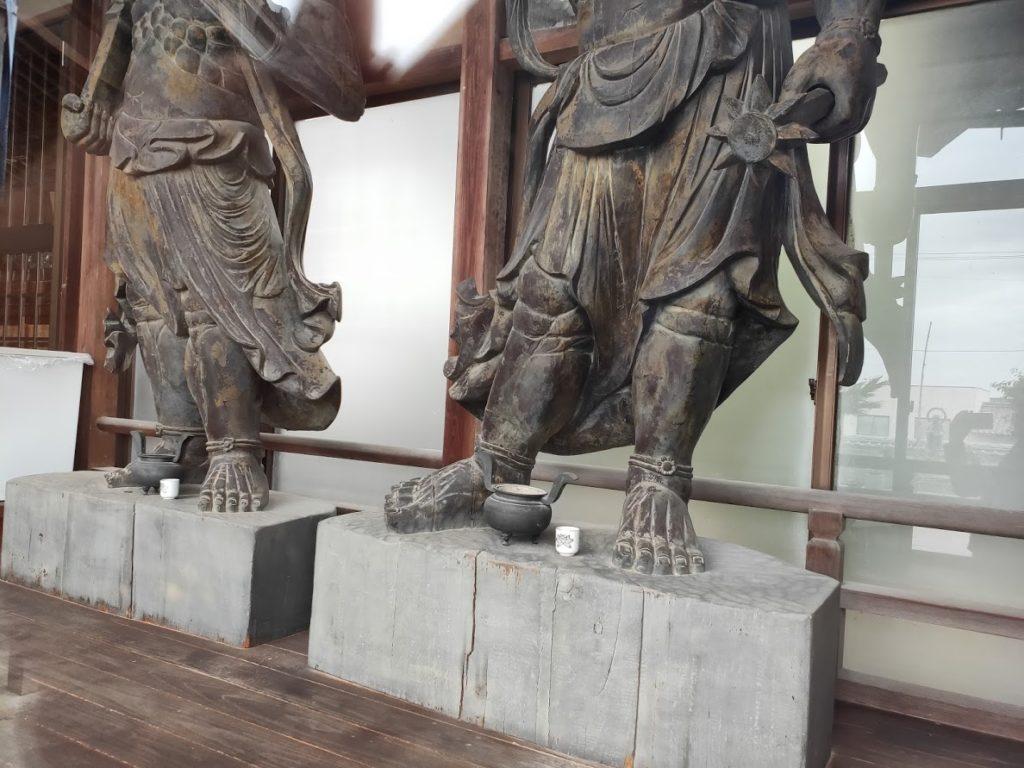 56番泰山寺の仁王