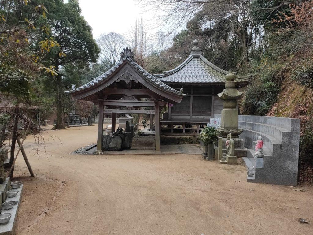 58番仙遊寺の境内の景色