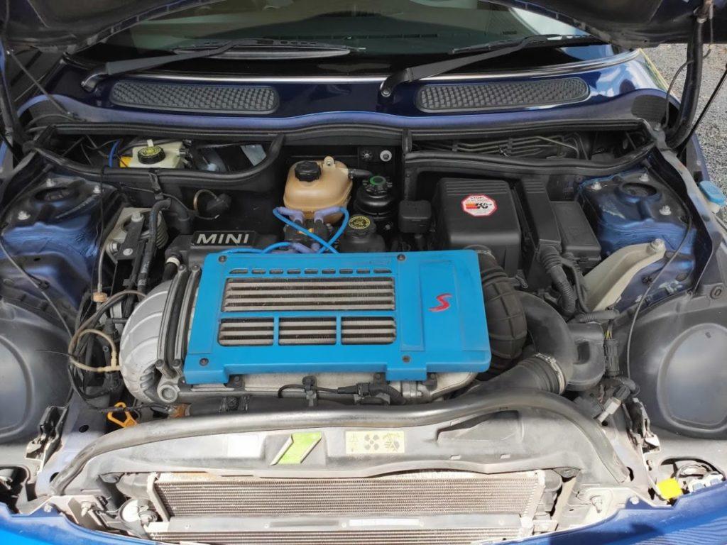 R53ミニクーパーSのエンジンルーム