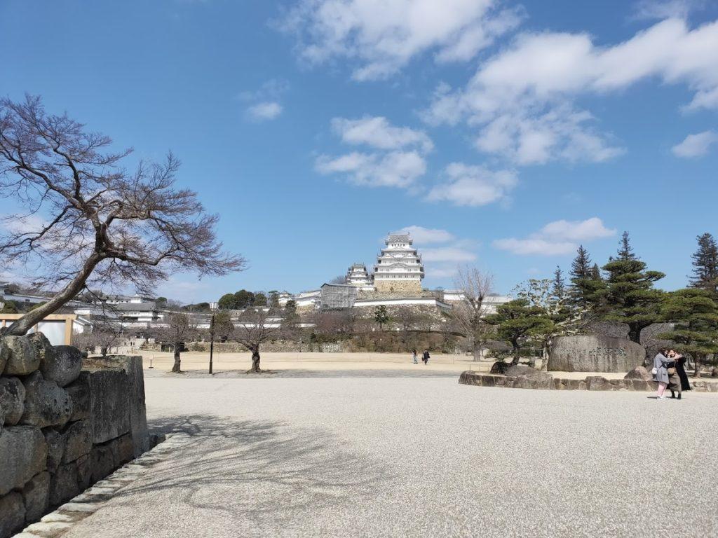 姫路城遠目から