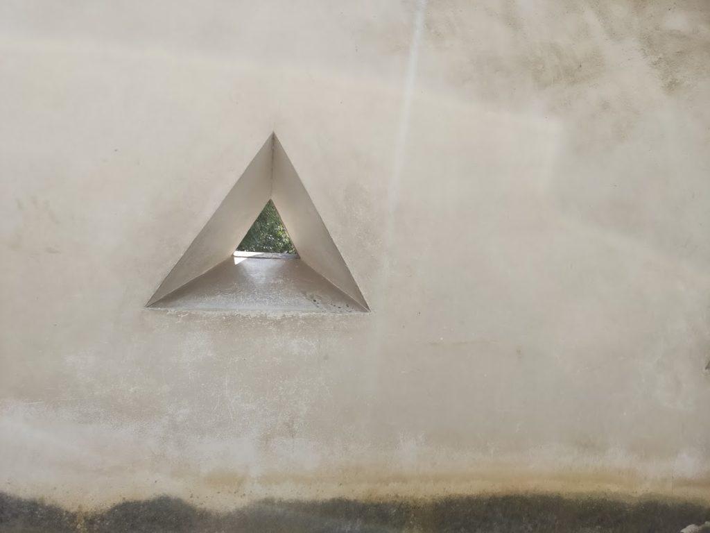 姫路城銃の穴