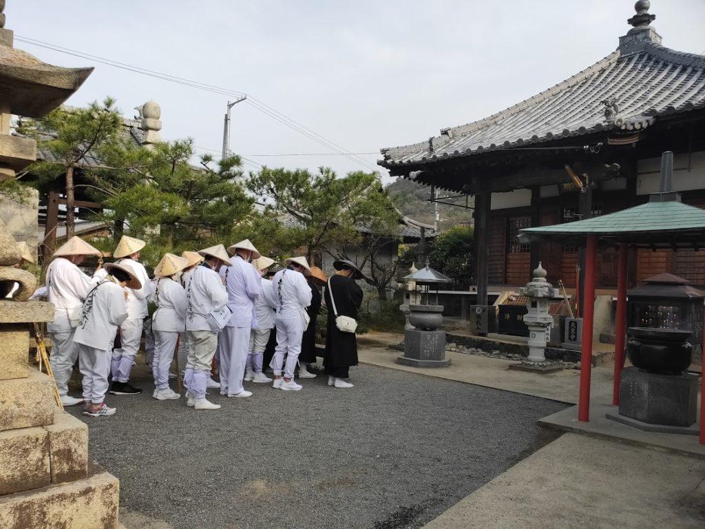 79番天皇寺のお遍路さん
